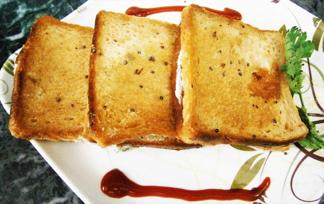 Rai Curd Sandwich