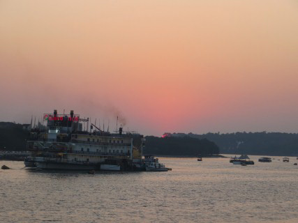 sunset at Mandovi river