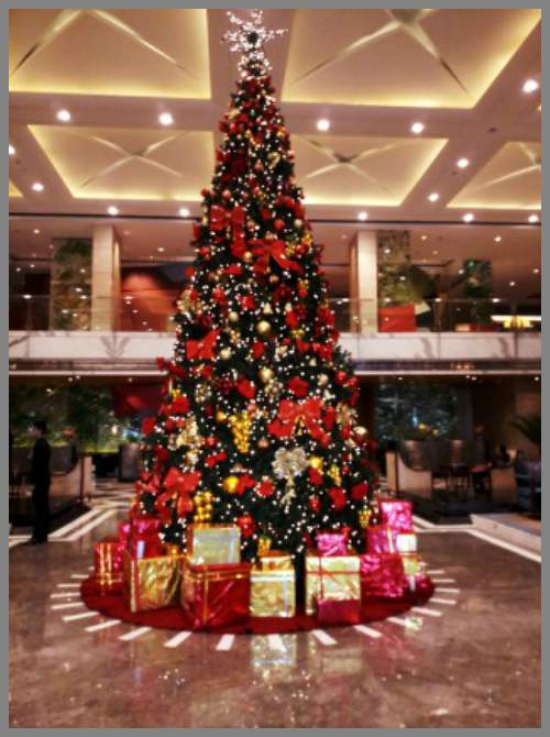 Christmas Tree, The Leela Ambience, Gurugram
