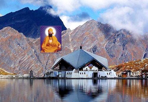 Hemkund Sahib in Uttrakhand